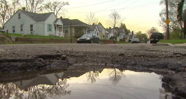 Voters: Fixing State's Infrastructure is the top Problem Facing Michigan