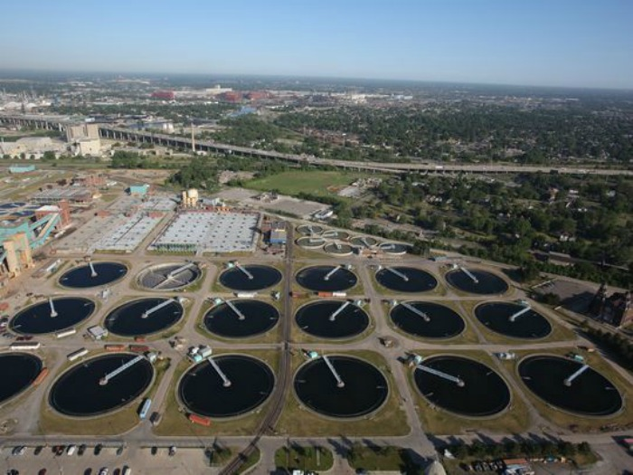 Is Detroit's sewage plant at risk for a power failure?