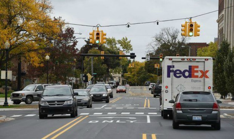 Michigan Ave in Jackson back open to two-way traffic after months of construction