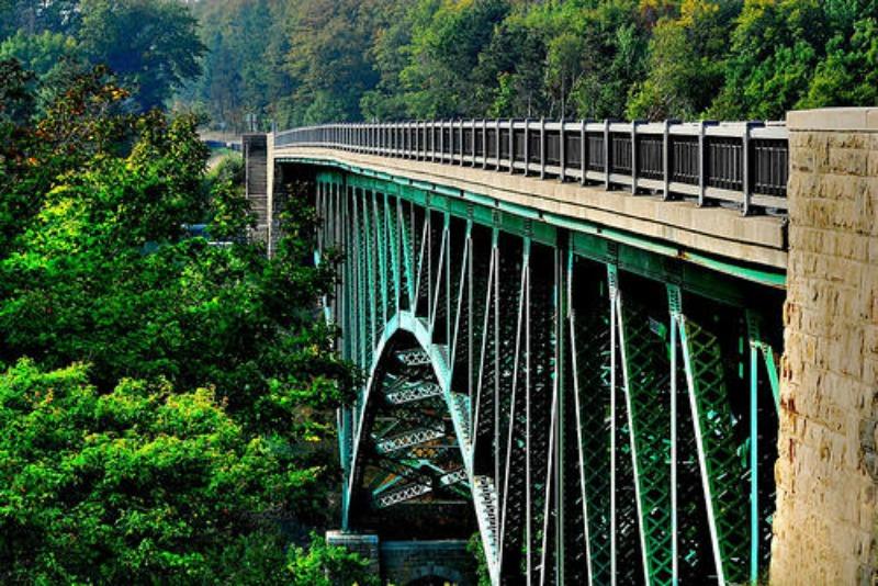 Cut River Bridge closed on US-2