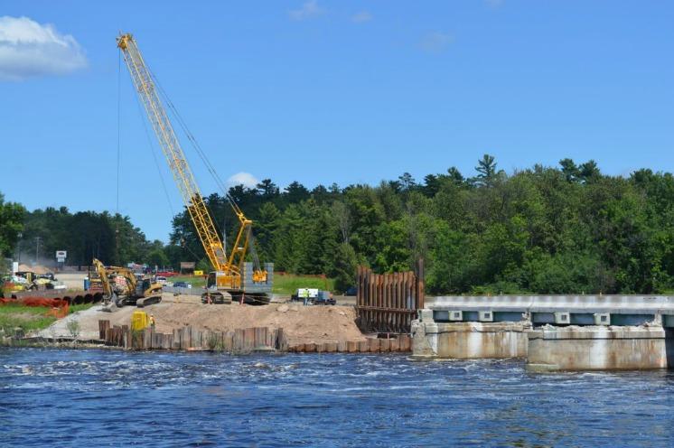 Esky bridge closure may delay buses