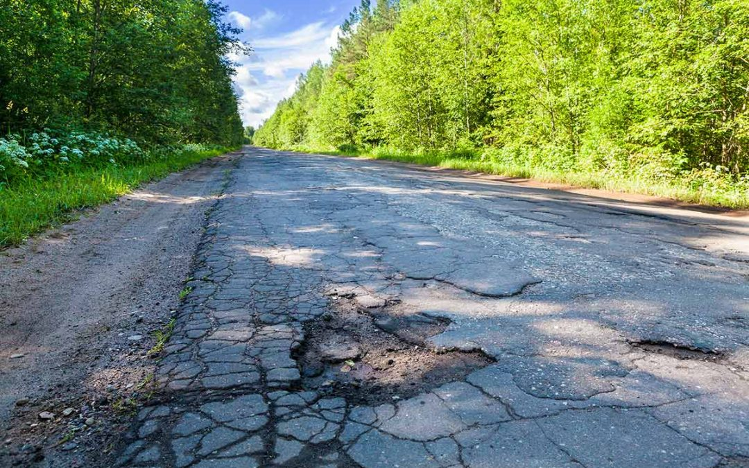 Michigan's crumbling roads get $300M extra in state budget