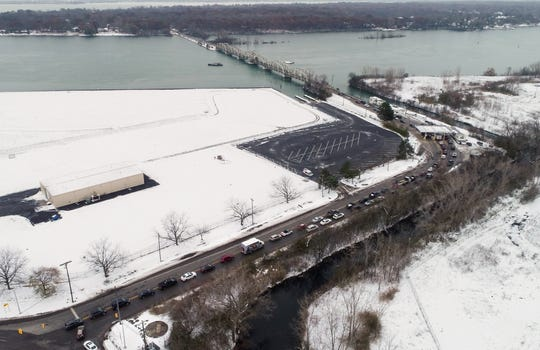 Grosse Ile bridge shutdown creates miles-long lines, road rage with no end in sight
